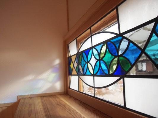 ステンドグラスの家