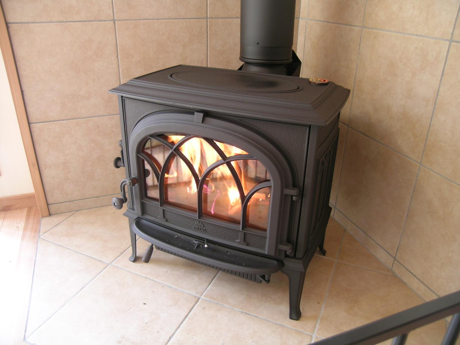 火のある暮らしを楽しむ家